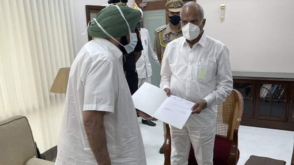 Captain Amarinder Singh એ આપ્યું રાજીનામું, સુનીલ જાખર બની શકે છે પંજાબના નવા CM