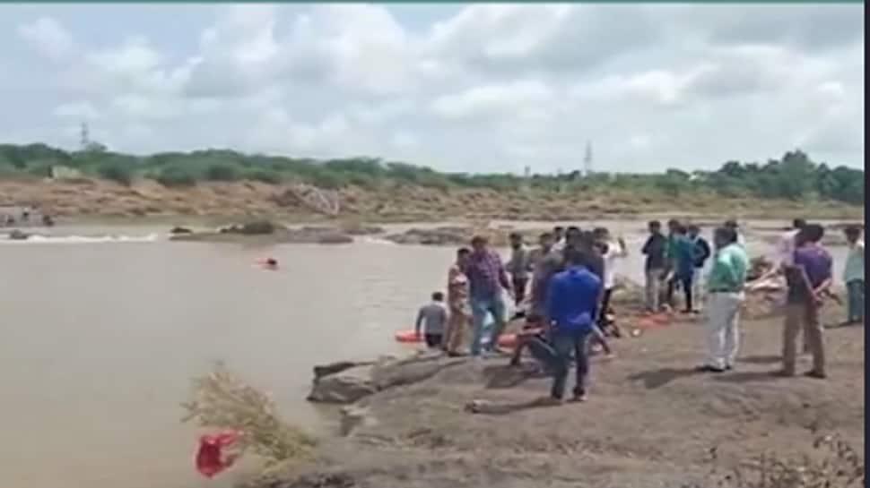 રાજકોટ : રજાના દિવસે વગુદળ નદીમાં ન્હાવા પડેલા ચાર મિત્રો નદીમાં ડૂબ્યા, બેના મોત