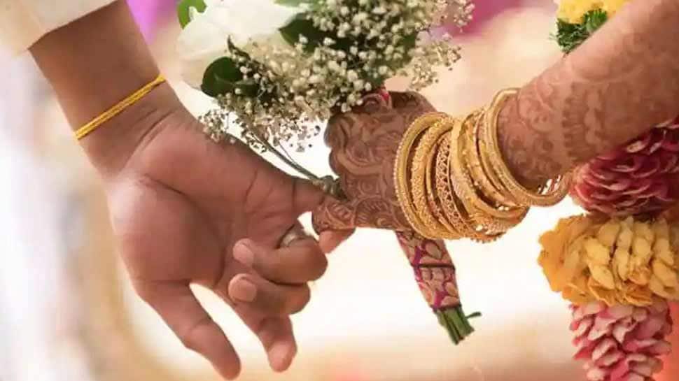 લગ્ન પહેલાં મુંડન કરાવે છે છોકરીઓ, વિચિત્ર છે અહીંનો રિવાજ