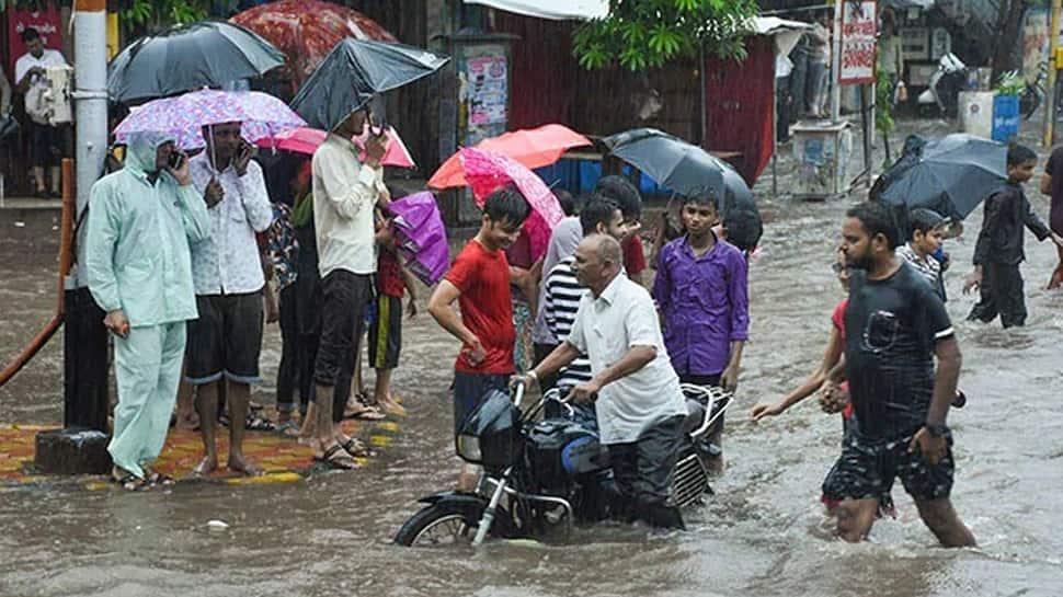 વરસાદે લોકોના હાલ કર્યા બેહાલ, અમદાવાદ-ગાંધીનગર સહિત રાજ્યમાં મેઘરાજાની તોફાની બેટિંગ; ભારેથી અતિભારે વરસાદની આગાહી