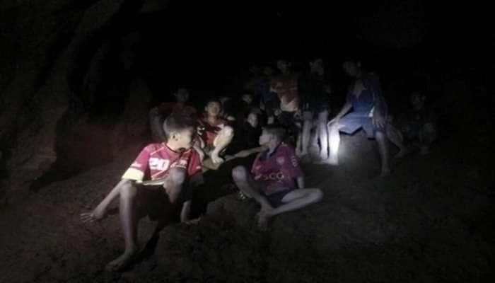 થાઈલેન્ડ: સંકટમાં બાળકો, બચાવકાર્યમાં વરસાદ બન્યો વિલન, ગુફામાં હવે 15% જ ઓક્સિજન