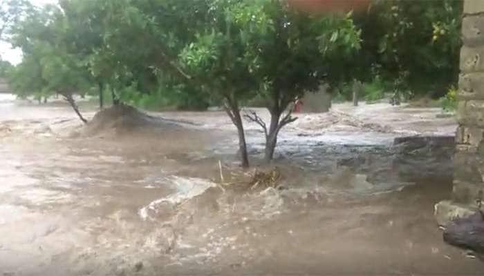 VIDEO ઉના: માણેકપુર ગામે 100 લોકોનું સ્થળાંતર, પીંછવી-લેરકા, શાનાવાંકીયા ગામ સંપર્કવિહોણા