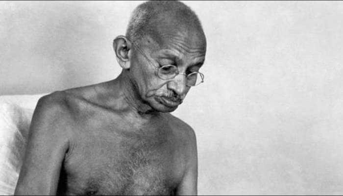 15 ઓગસ્ટ 1947ના રોજ દેશ આઝાદીની ઉજવણી કરી રહ્યો હતો, ત્યારે ગાંધીજી ઉપવાસ પર હતાં...