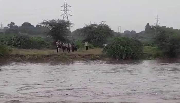 ખેડબ્રહ્માની હરણાવ નદીમાં પાણી આવતા 11 લોકો ફસાયા, બચાવ કામગીરી શરૂ