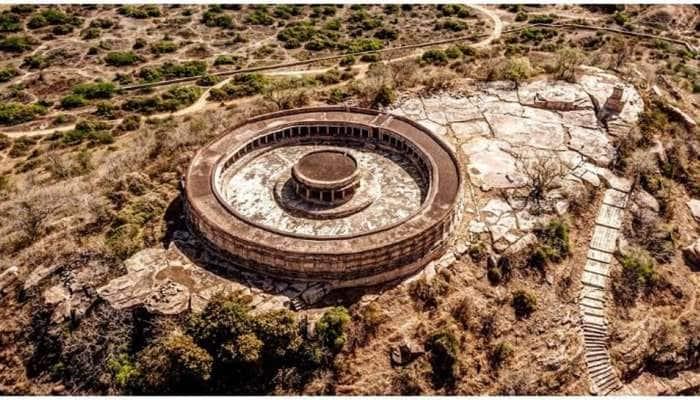 એક અદભૂત 700 વર્ષ જૂનું મંદિર, જેનું દેશના સંસદ ભવન સાથે છે જબરદસ્ત કનેક્શન