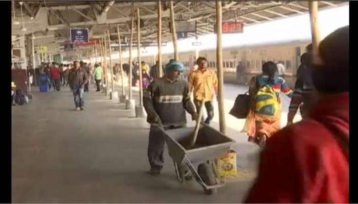 આજથી કાલુપુર રેલવે સ્ટેશન પર નવીનીકરણ, બદલાયા છે અનેક ટ્રેનોનો રુટ અને ટાઈમિંગ