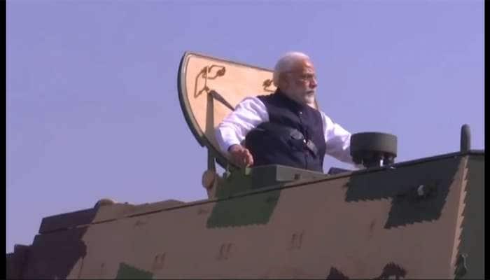Watch Video : સૈનિકની જેમ PM મોદીએ જાતે K-9 વજ્ર ટેન્કની સવારી કરી