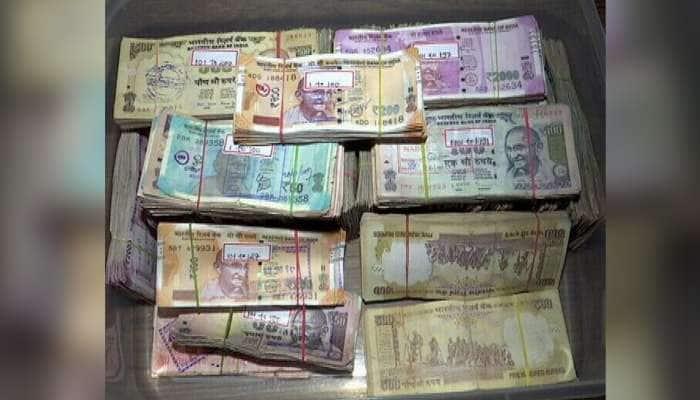 નોટબંધી બાદ પણ ગુજરાતમાં નકલી નોટો ઘુસાડવાનું કાવતરુ, બેંકોમાંજ થાય છે જમા