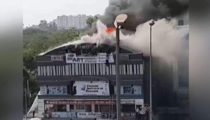 સુરત: તક્ષશિલામાં ભયાનક આગ, કેટલાય 'ચિરાગ' હોમાયા જુઓ વીડિયો અહેવાલ