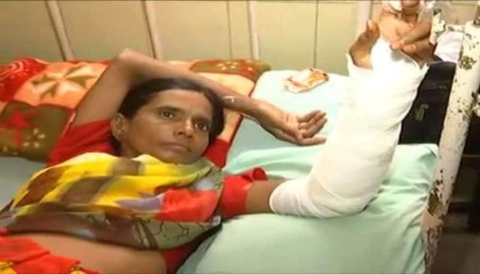 ગુજરાતમાં સરકારી હોસ્પિટલોમાં સુવિધાઓ ખાડે ગઈ, ઈન્જેક્શન આપતા મહિલાના હાથ પર પડ્યું પ્રવાહી