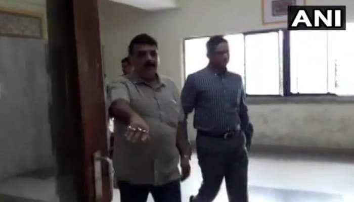 CBI ઓફિસ ફરી પહોંચ્યા બેનરજીના ખાસ IPS અધિકારી, રાજીવ કુમારની પૂછપરછ શરૂ