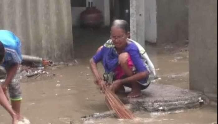નવસારીમાં વાયુની અસર દેખાઈ, ગામમાં ઘૂસી આવ્યા દરિયાના પાણી