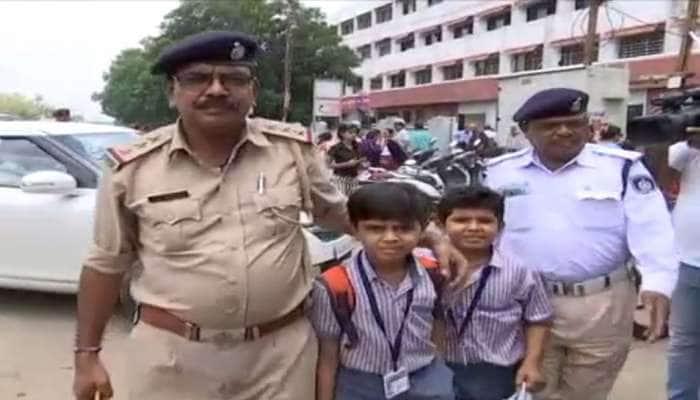 સ્કૂલ વાનચાલકોની હડતાળથી પરેશાન થયેલા વાલીઓની મદદે આવી 'વડોદરા પોલીસ'