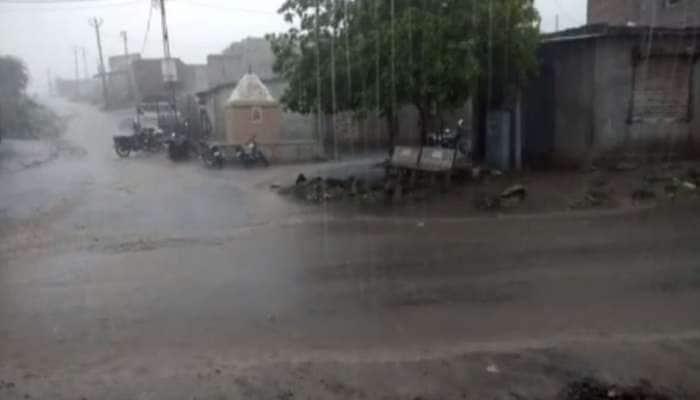 મોડી રાતથી ગુજરાતમાં અનેક વિસ્તારોમાં વરસાદની રિ-એન્ટ્રી, હવામાન વિભાગે પણ કરી આગાહી