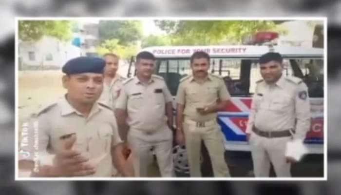 ગુજરાતના પોલીસોને Tiktokનું વળગણ છૂટતુ જ નથી, 5 ઓફિસર્સે PM મોદીના અવાજમાં બનાવ્યો Video