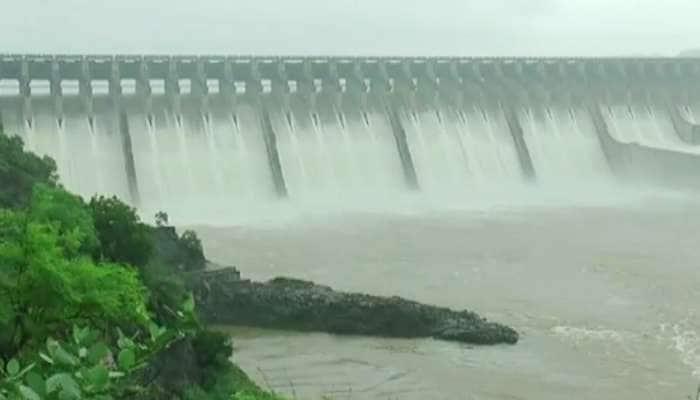 ઉપવારમાંથી પાણીની આવક થતા સરદાર સરોવર ડેમની સપાટી 132.61 મીટરે પહોંચી