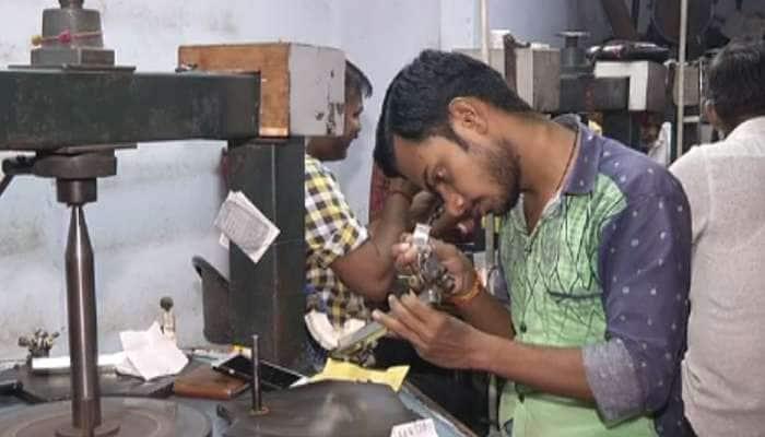 અમદાવાદ: ગુજરાત હિરા ઉદ્યોગમાં 2008 કરતા પણ વઘારે ઘાતક મંદીનો માહોલ
