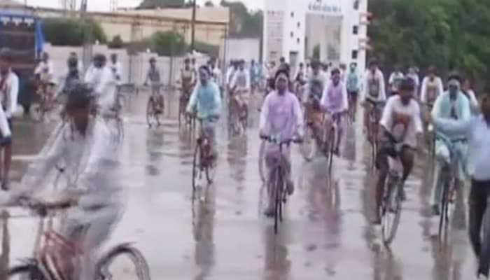 ગાંધીજીની 150મી જન્મજયંતી: BSFના જવાનોની પોરબંદરથી દિલ્હી સાયકલ રેલી