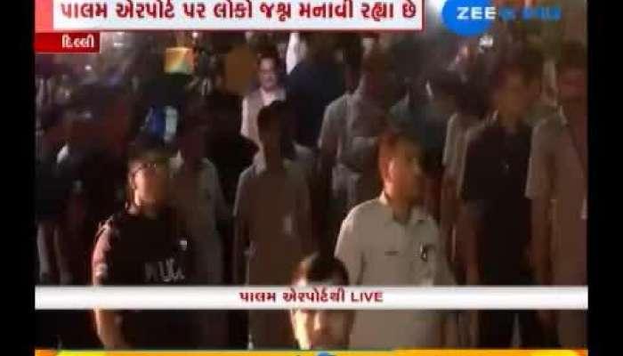 PM_Modi_Road_show_In_delhi_Airport