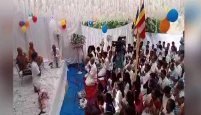 ધર્મ પરિવર્તન: સાબરકાંઠામાં 105 અનુસુચિત જાતિના લોકોએ કર્યો બૌદ્ધ ધર્મ અંગીકાર