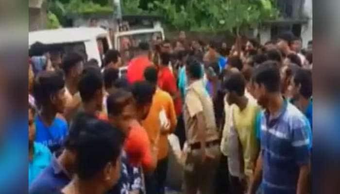 પ.બંગાળ: RSS કાર્યકર તેમની ગર્ભવતી પત્ની અને 6 વર્ષના માસૂમ બાળકની નિર્મમ હત્યા, લોકોમાં આક્રોશ