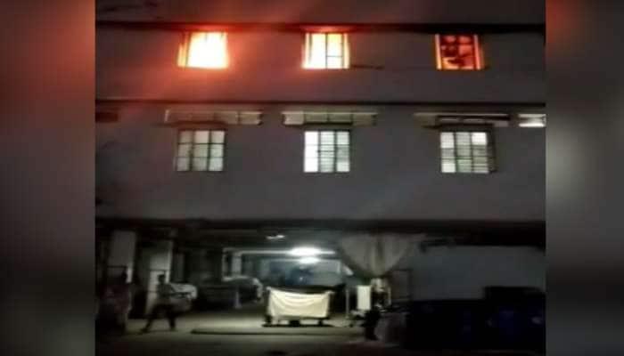 અમદાવાદ: બાવળા-ચાંગોદર હાઇવે પર આવેલી પ્રદીપ ઓવરસીઝ નામની કંપનીમાં આગ