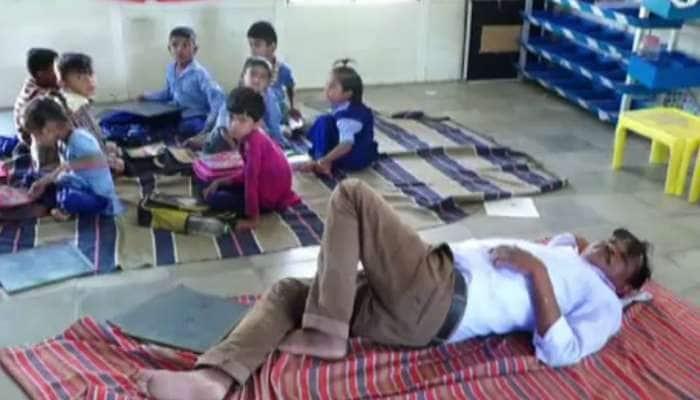 છોટાઉદેપુર: નશાની હાલતમાં ક્લાસ રૂમમાં આરામ ફરમાવતો શિક્ષકને કરાયો સસ્પેન્ડ