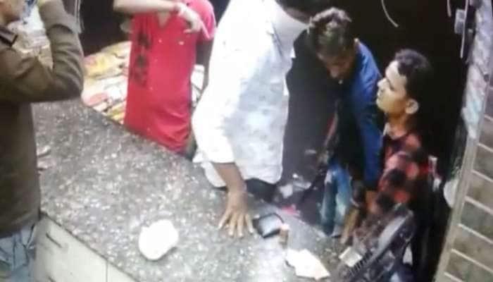 Viral Video : સુરતમાં લુખ્ખા તત્વોનો આતંક, દુકાનદારને ચપ્પુ બતાવીને લૂંટી લીધો