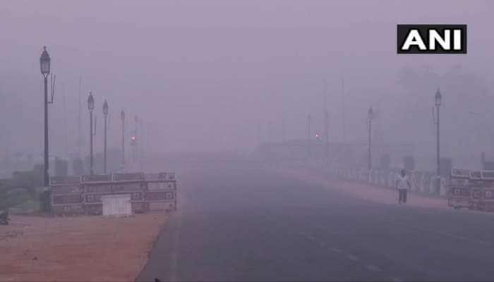 દિલ્હીમાં પ્રદૂષણની 'સુપર ઈમરજન્સી' યથાવત, AQI 708 પર પહોંચ્યો, આજથી 'ઓડ ઈવન' લાગુ
