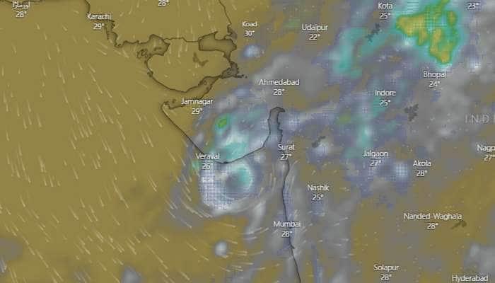 maha cyclone અપડેટ : વાવાઝોડું ડીપ ડિપ્રેશનમાં ફેરવાતા ઉમેજ-પાતાપુરમાં 2.5 ઈંચ વરસાદ ખાબક્યો