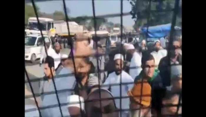 banaskantha chapi video crowd mob police van