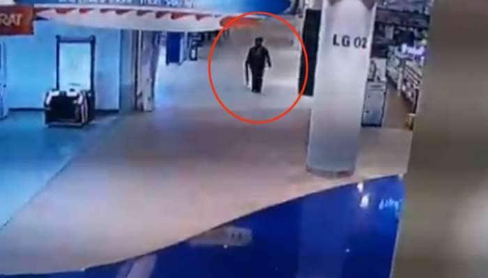 થાઈલેન્ડ: આડેધડ ફાયરિંગ કરીને 20 લોકોના જીવ લેનારો સૈનિક કેમેરામાં કેદ, VIDEO જોઈને થથરી જશો