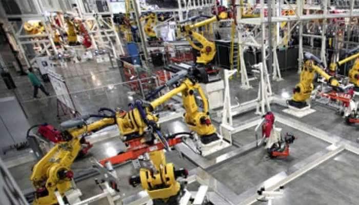 અર્થવ્યવસ્થાને ડબલ ઝટકો, મોંઘવારી વધી, ફેક્ટરીઓનું ઉત્પાદન ઘટ્યું