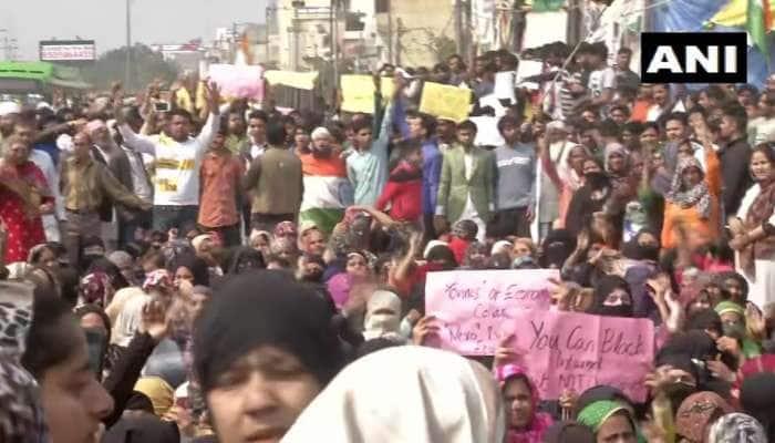 CAA: જાફરાબાદ બાદ ચાંદબાગમાં શાહીન બાગ જેવું પ્રદર્શન, રસ્તા પર ઉતરી મહિલાઓ