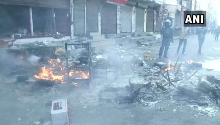 Delhi Violence: દિલ્હીમાં હિંસા યથાવત, શાળાઓમાં રજા, બોર્ડની પરીક્ષાઓ પણ સ્થગિત