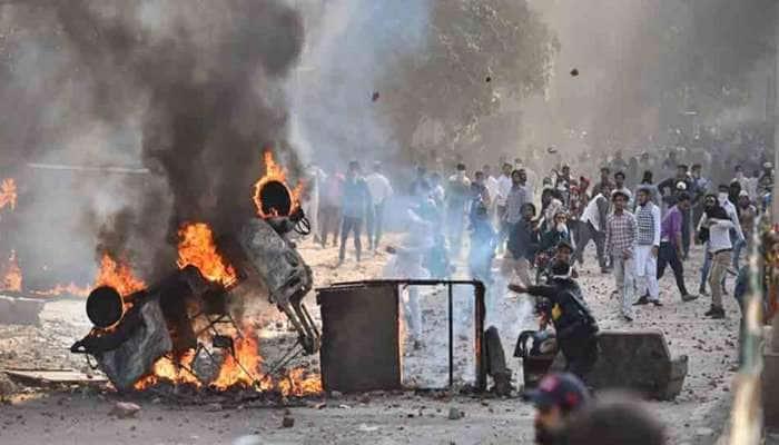 Delhi Violence: અત્યાર સુધી 20ના મોત, હાઈકોર્ટના જજે મધરાતે ઘરેથી આપ્યો મહત્વનો આદેશ