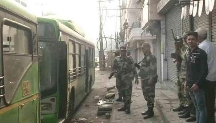 Delhi violence: હિંસામાં 34ના મોત, દિલ્હી પોલીસને ફટકાર લગાવનારા જજની બદલી
