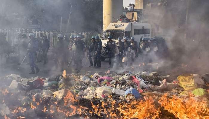 દિલ્હી હિંસા: ચાંદબાગ નાળામાં લાશ ફેંકવાનો VIDEO સામે આવ્યો, ત્યાંથી જ મળ્યું હતું IB કર્મચારીનું ડેડબોડી