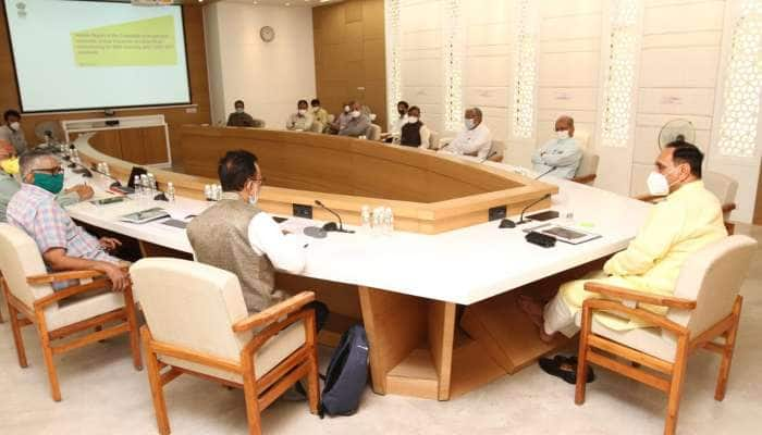 ગાંધીનગરમાં ઉચ્ચસ્તરીય કમિટીની બેઠક યોજાઈ, ગુજરાતને ફરીથી ધબકતુ કરવા ચર્ચા કરાઈ