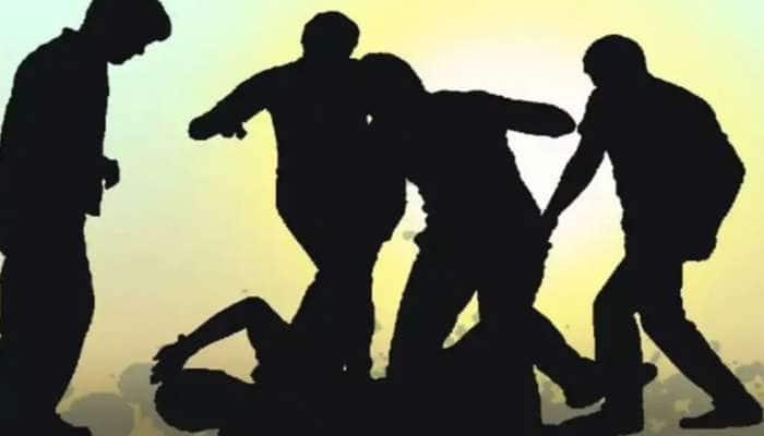 બેસણાંમાં બબાલ: સુરતમાં કોરોના સંકટ વચ્ચે યોજાયું બેસણું, મારામારીના દ્રશ્યો સાથે Video Viral