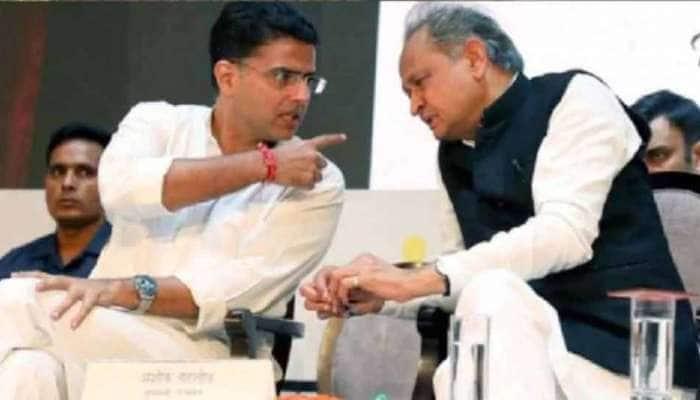 ગૃહ મંત્રાલયે ફોન ટેપીંગનો માગ્યો રિપોર્ટ, BJP નેતા કોંગ્રેસના બળવાખોર ધારાસભ્યોને મળ્યા