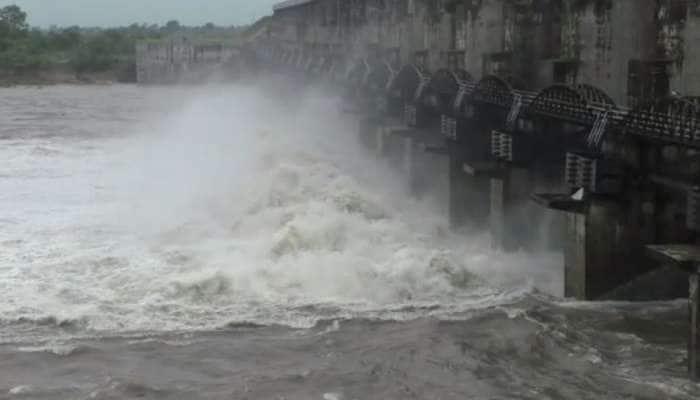 સારા વરસાદને કારણે ભાદર-2 ઓવરફ્લો, ડેમના 6 દરવાજા ખોલવામાં આવ્યા