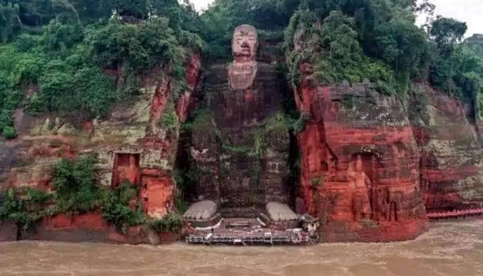 ચીનમાં પૂરથી હાહાકાર: 71 વર્ષ બાદ ભગવાન બુદ્ધની પ્રાચીન પ્રતિમા સુધી પહોંચ્યું પાણી