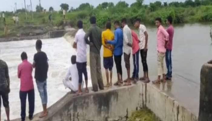 ગીર સોમનાથ: ગીરગઢડાના કાજરડી ગામે ગણેશ વિસર્જન દરમિયાન 3 યુવાનો તણાયા