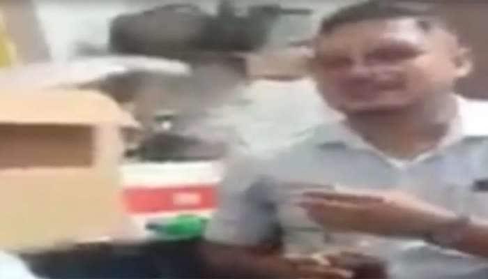 સુરત: SMC કર્મચારીઓ દ્વારા ફરજ દરમિયાન જ ઓફીસમાં દારૂપાર્ટી, VIDEO થઇ રહ્યો છે વાયરલ