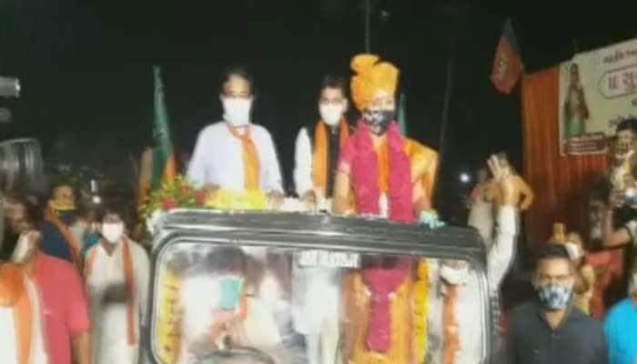 ભારતીબેનના સ્વાગતમાં ભુલાયા નિયમો, ભાજપના કાર્યકરોએ કોરોનાના તમામ નિયમોના ધજાગરા ઉડાવ્યા