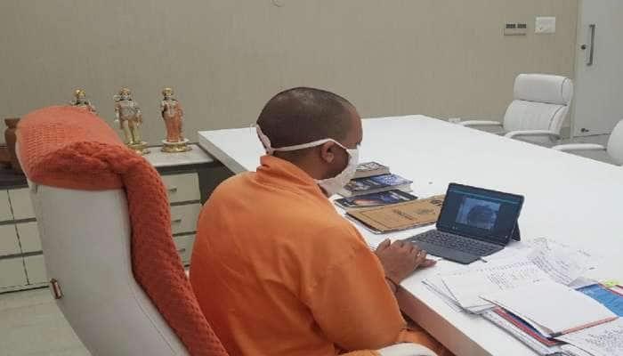 હાથરસ કેસ:  CM યોગીએ પીડિતાના પિતા સાથે કરી વાત, વળતરની જાહેરાત