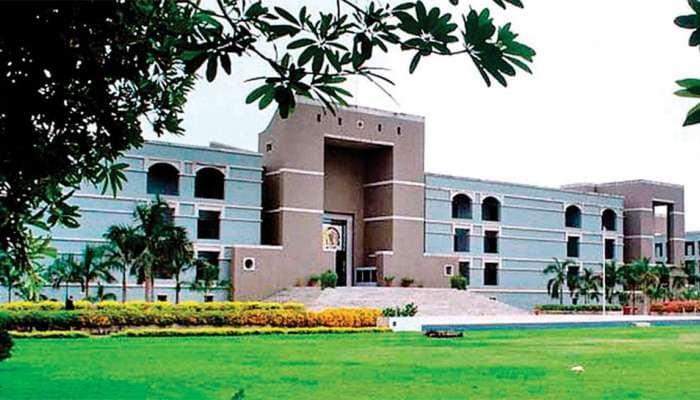 સુપ્રિમ કોર્ટનો ગુજરાતના નેતાઓને મોટો ઝટકો, પેન્ડિંગ 92 કેસો ફટાફટ ચાલશે