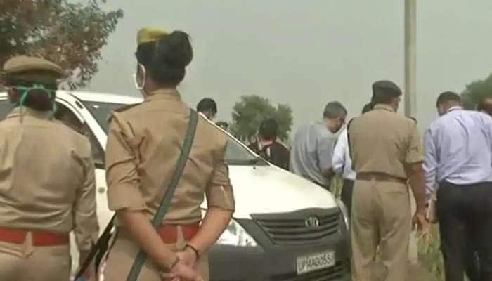 હાથરસ કાંડ: CBI ઘટના સ્થળે પહોંચી, પોલીસે આખા વિસ્તારને ઘેરી લીધો