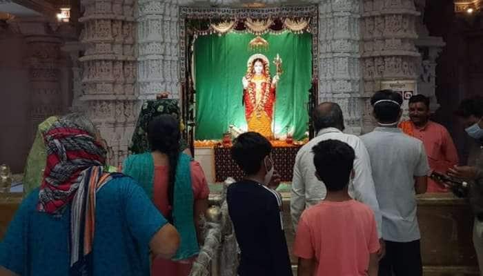 ખોડલધામ: મંદિરમાં ધજા ચડાવવા માટે 100 લોકોને છુટ, ઓનલાઇન દર્શન કરવા લોકોને અપીલ